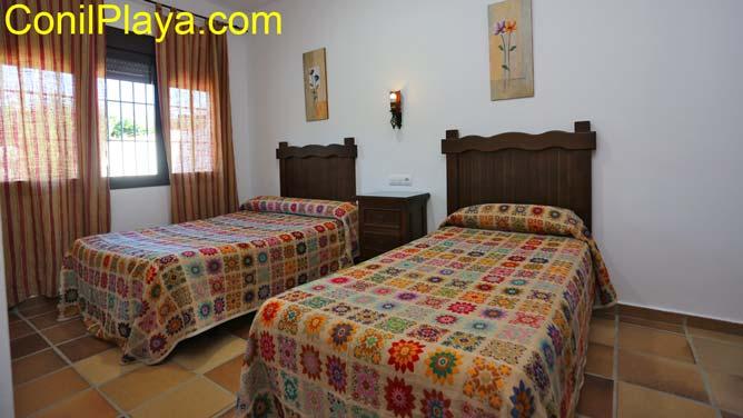 Dormitorio 3, con dos camas individuales.