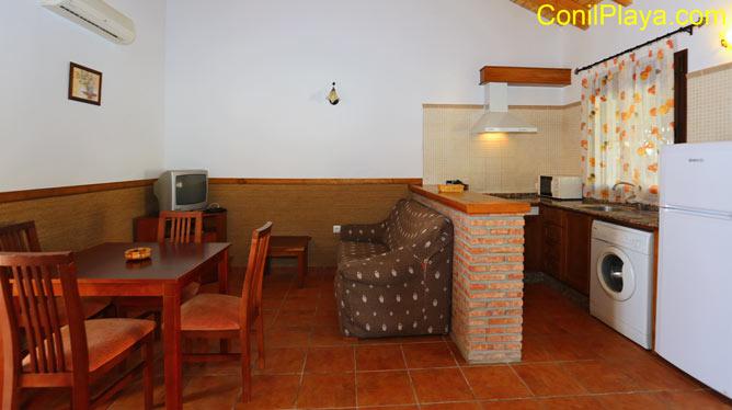 salón cocina con aire acondicionado