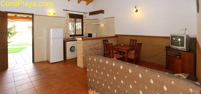 apartamento en zahora, vista del salón y la cocina