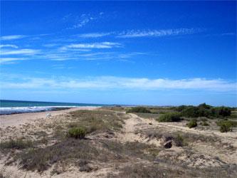 Vista de la playa de La Mangueta desde la playa de Zahora.
