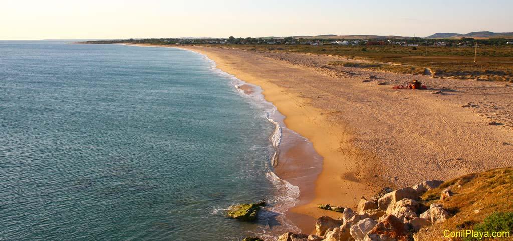 Playa de zahora vista desde el Faro de Trafalgar.